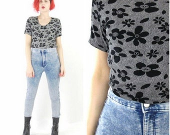 90s Daisy Print Tshirt Grunge Floral Stretchy Top Flower Power Black White Club Kid Short Sleeve Shirt Polka Dot Scoop Neck Top (XS/S/M)
