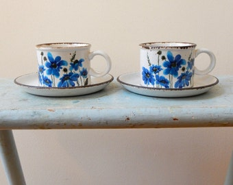 Stonehenge Midwinter Spring 2 Cups & 2 Saucers Speckled Stoneware England Blue Flowers Luminescent Brown Edges Midcentury Mod