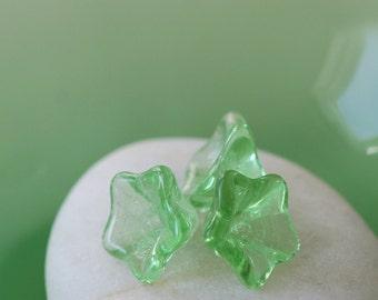 Glass Flower Beads - Jewelry Making Supplies - Czech Glass Beads - Peridot Trumpet Flower (12 or 25 beads)