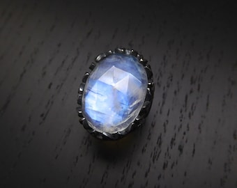 Croatoan Ring - Moonstone
