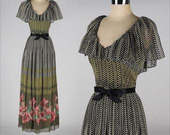 vintage 1970s  dress . RICHLENE NY . chevron print . ruffle collar . 3659