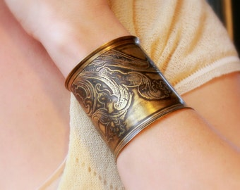 Etched Acanthus Leaves Cuff Bracelet in Brass