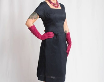 Cerise Coloured Candy Kisses - Vintage 1950s Textured Airy Navy Wiggle Dress w/Hidden Pockets - 8/10