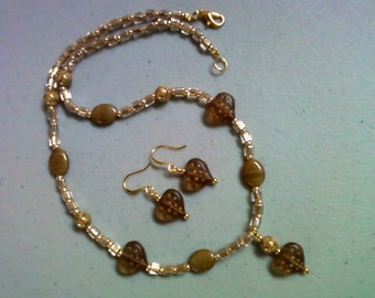 Beige and Gold Heart Necklace and Earrings (0184)