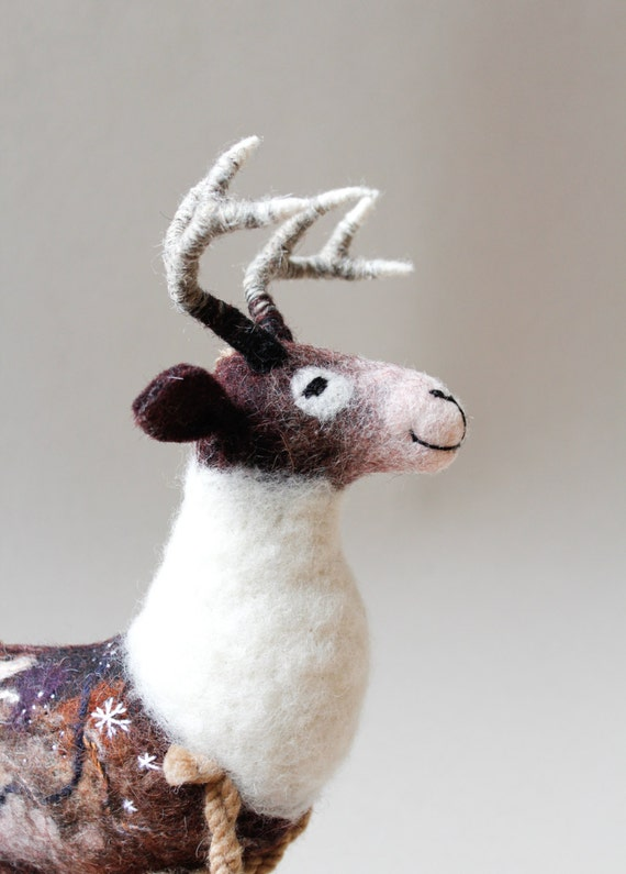 Felted Deer - Thorwald. Art Puppet, Woodland deer, Red Deer, woodland plush, Felted Toy. Felt Deer. beige brown neutral . MADE TO ORDER.