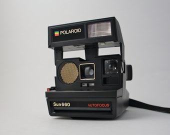 Vintage Polaroid Sun 660 Autofocus Instant Film Camera