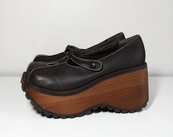 90s wooden platform Mary Jane shoes size 7