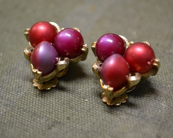1950s Red and Purple Pearl Clip Earrings