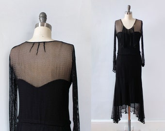 RARE 1920s Dress / 20s FISHNET Flapper Dress with Fishtail Hem / 1920s Goth!