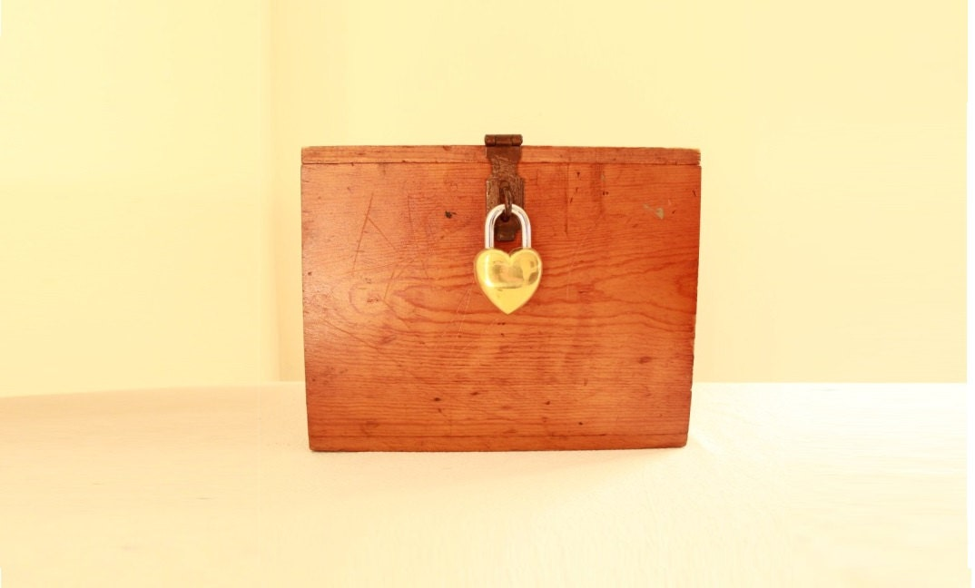 Vintage Wedding Card Box Heart Lock Antique By TheLonelyHeart
