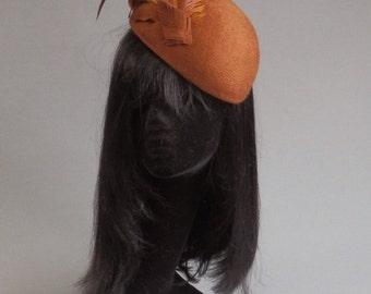 Dutch design cognac colour felt hat with feathers on comb