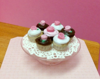 Miniature Cupcake Tier B - 1:12 Scale