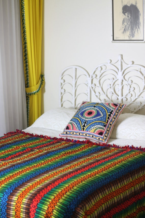 Hippie home decor vintage 70s boho woven ethnic large bed for Hippie home decorations
