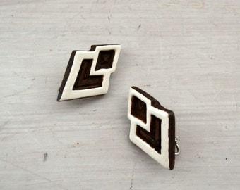 70s Tribal Earrings Vintage Clip Ons Geometric Cut Wood Brown White Hippie Boho Earrings