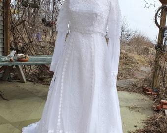 Lace wedding dress vintage 1970s empire hippie woodland fairy celtic midevil wedding dress