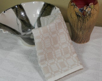 E623 Handwoven Table Runner or Dresser Scarf - Fancy Pointed Twill