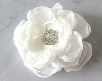 Ivory hair flower Bridal hair comb Wedding hair flower Wedding hair comb Bridal accessories Hair flower Bridal head piece White hair flower
