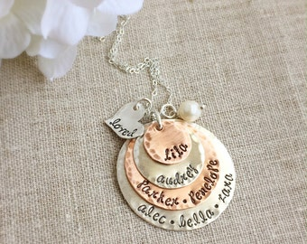 Mothers Necklace . Personalized Mother . Gift for Mom. Mothers Day Gift . Name Necklace . Personalized Grandmother . Personalized Jewelry
