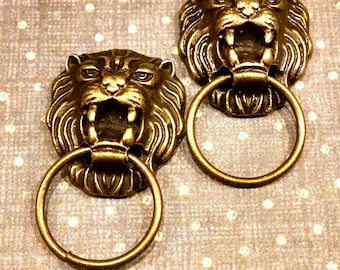 2 Gold tone Lion Head Knocker charms / jewelry finding / jewelry supplies / assemblage / mixed media  / miniature lion / embellishments
