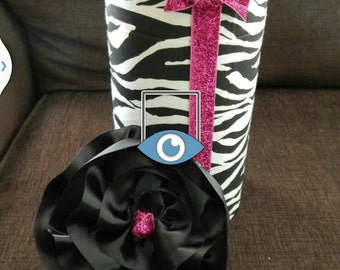 Zebra headband holder