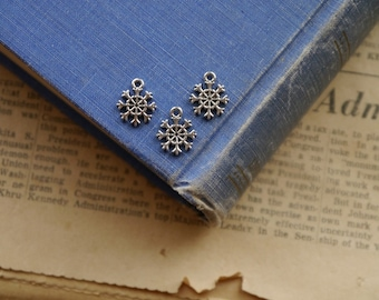 CLEARANCE 12 pcs Antique Silver Small  Snowflake Snow Winter Charms 13mm (BC2328)