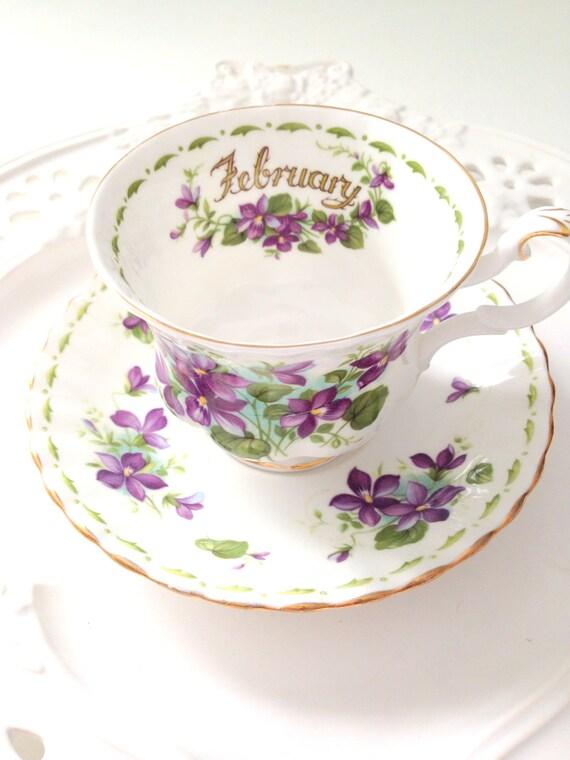 vintage english royal albert bone china violets pattern teacup. Black Bedroom Furniture Sets. Home Design Ideas
