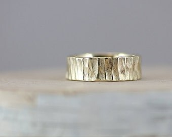 Hammered Finish 14K Gold Men's Band 7mm Wide