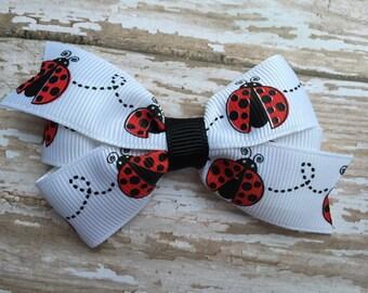 Ladybug hair bow - ladybug bow, baby bow, toddler bow