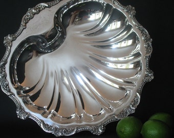 Silver Shell Centerpiece Old English by Poole Wedding Wedding Decor