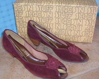 Shoes 'n Stuff Vtg sbicca suede wine burgundy peep toes 9B pin up wood heels 80s 40s style