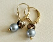 Small Gray Pearl Earring-...