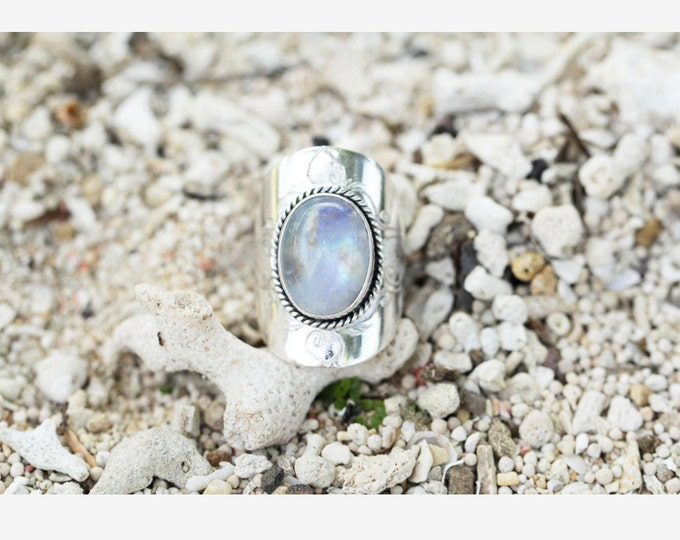 Large Moonstone Ring, Statement Silver Moonstone Ring, Solid Sterling 925 Silver Ring, Handcarved Ring, Engraving