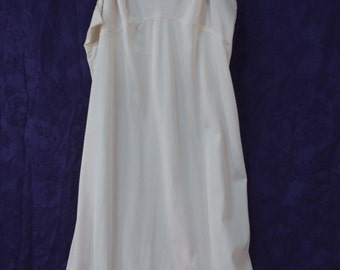 Vintage Lorraine Nylon Full-Slip Ivory Champagne with Dainty Lace Trim ~ 38 Tall