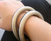 stackable bangle bracelet, Black metal bangle bracelet, SET OF 2 beach bracelet Metal and acrylic bangles bracelet, 2 tones bangle gift