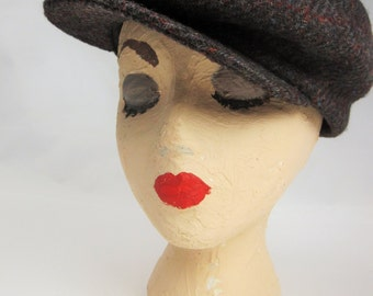 An Super Driving Cap -  Ivy Cap -  Heather Charcoal Wool Thinsulate - Size Medium - Newsy - Newsboy - Cap Snaps to Bill - Union Made