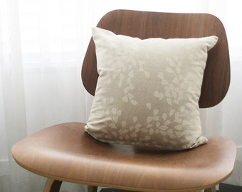 """16""""x16"""" Beige / White Floral Throw Pillow Cover"""