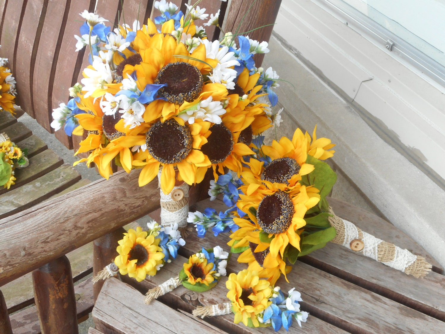 wedding bouquets sunflowers 12 pc sunflowers and bluebonnets rustic wedding 8536