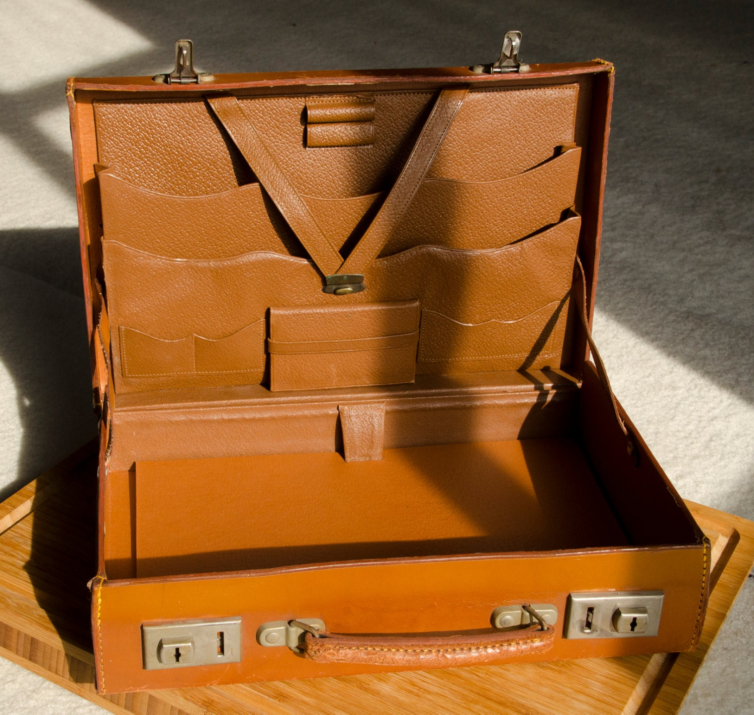 Travel Writing: Brown Vintage Attaché/briefcase Travel Writing Desk 1940s