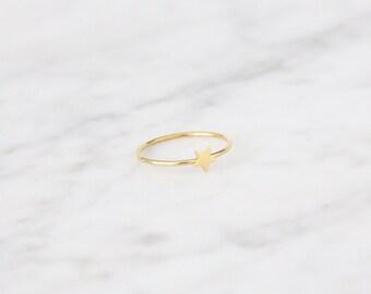 Tiny Star Ring - 4011