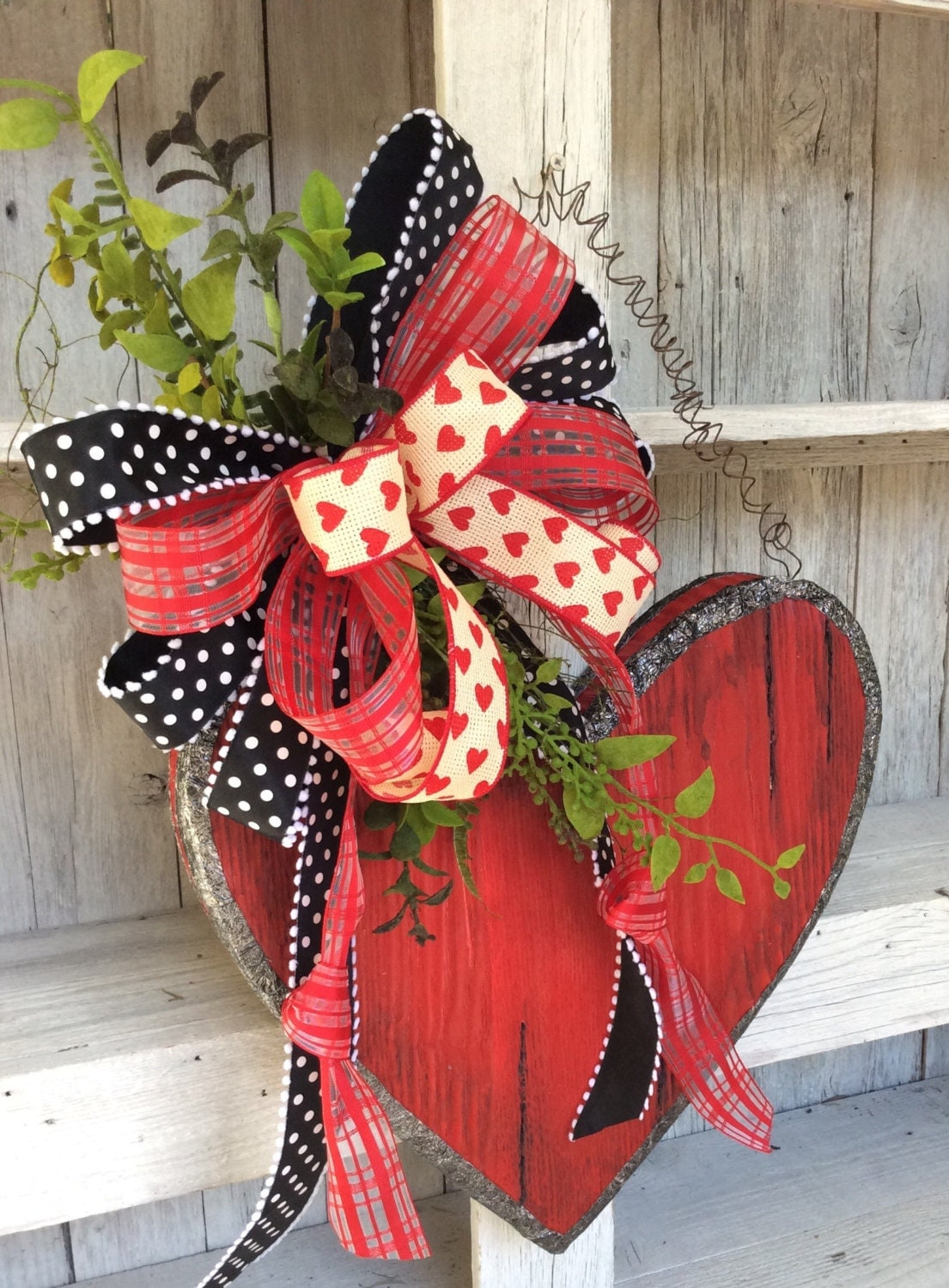 Request a custom order and have something made just for you for Deco saint valentin