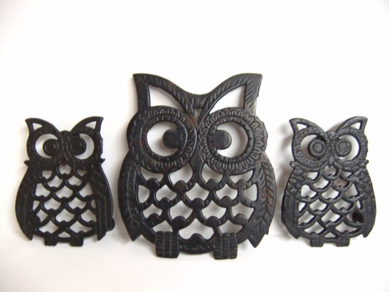 black owl trivets owl wall decor hanging owl home. Black Bedroom Furniture Sets. Home Design Ideas