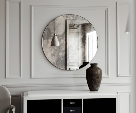 Petit miroir rond sans cadre petit dinspiration vintage for Miroir mural rectangulaire sans cadre