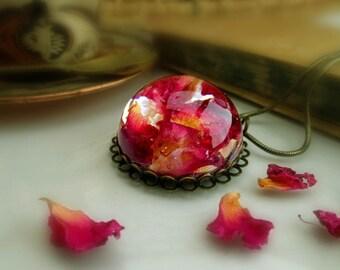 Rose petals necklace vintage resin pressed flowers unique romantic
