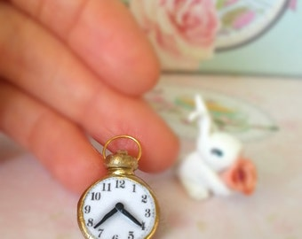Alice in wonderland pocket clock