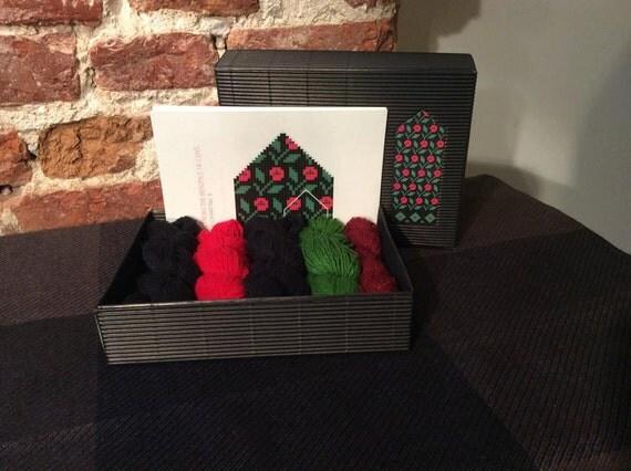 "The Latvian Traditional Mitten Pattern kit ""Knit like a Latvian"": WINTER FLOWERS"