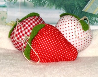 Christmas tree ornaments.  Strawberry. Set of 3pcs. Handmade.