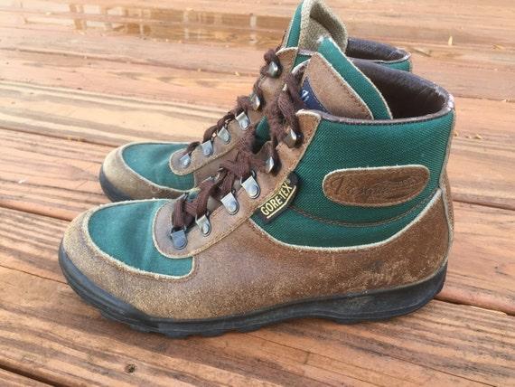 vintage vasque skywalk leather hiking boots brown green. Black Bedroom Furniture Sets. Home Design Ideas