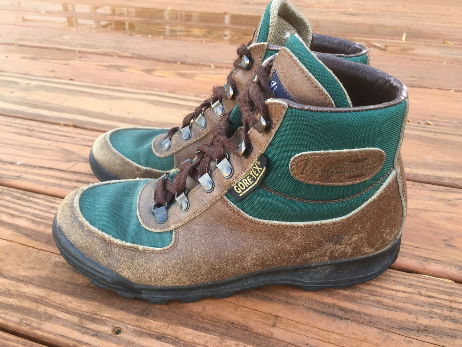 vintage vasque skywalk leather hiking boots brown green. Black Bedroom Furniture Sets. Home Design Ideas