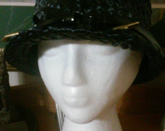 Elegant Navy Blue Pill Hat