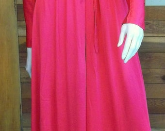 Vintage Lingerie  MISS ELAINE Gold Label Red Nightgown and Robe Set Nylon